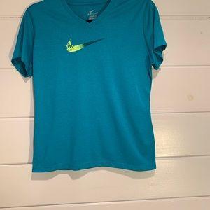 Nike T-shirt girls size